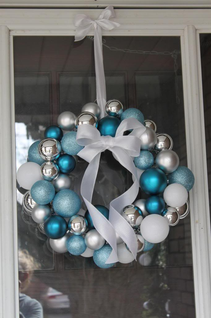 Ball wreath