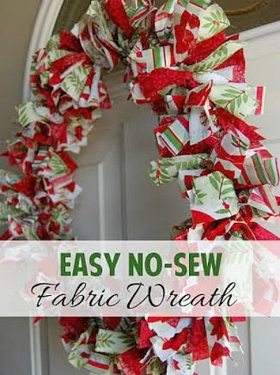 Easy-No-Sew-Fabric-Wreath